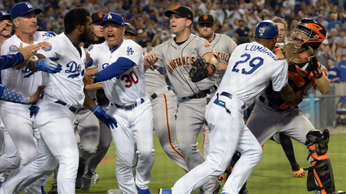 Suarez superb as Giants down Dodgers late in testy second game
