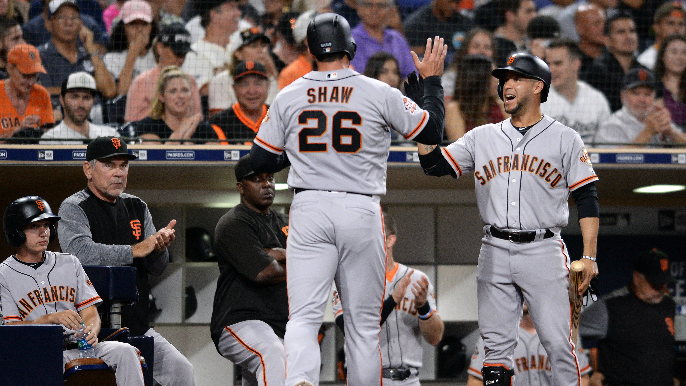 Shaw leads hit parade as Giants take win in San Diego