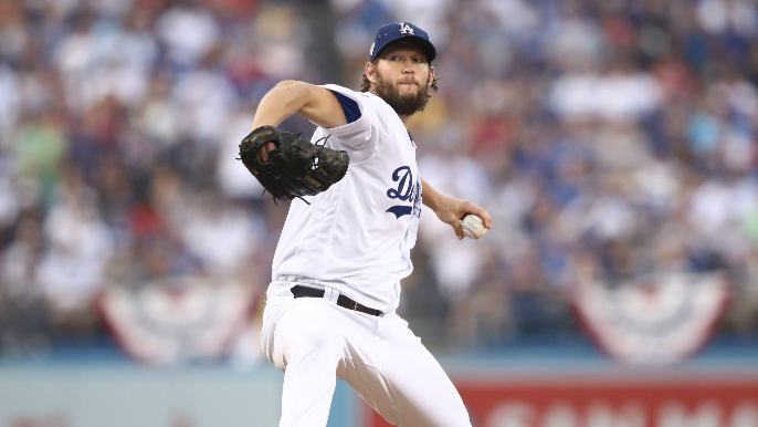 Clayton Kershaw stays with Dodgers on 3-year deal