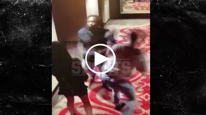 Video surfaces of Chiefs' Kareem Hunt attacking woman