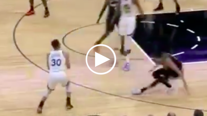 Curry pulls off ankle-breaker, hits record-breaking 3-pointer