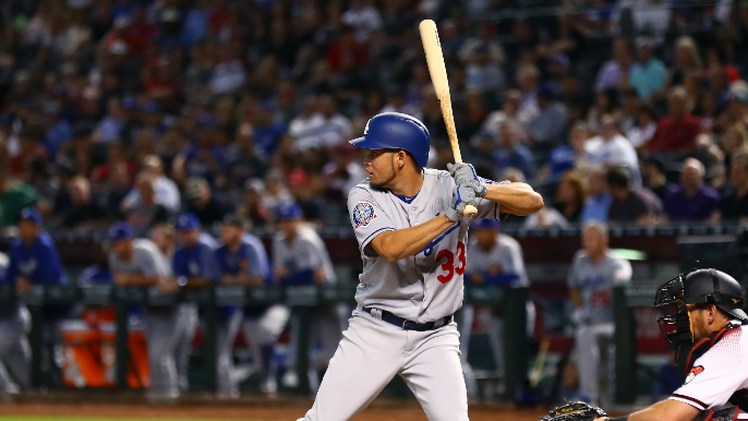 Giants acquire former Dodgers utility player