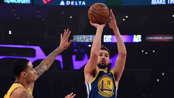 Klay Thompson sets NBA record in blowout win over Lakers