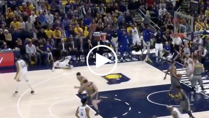 Steph slips on towel, face-plants while celebrating Klay Thompson dunk