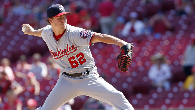 Giants acquire right-handed pitcher from Nationals in exchange for cash considerations