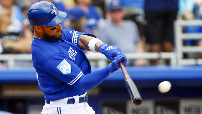 Giants acquire Kevin Pillar in four-player deal with Blue Jays