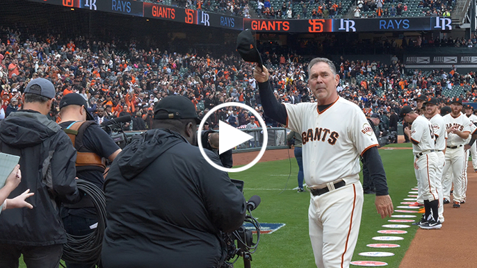 Giants fans give Bruce Bochy massive standing ovation on final Opening Day