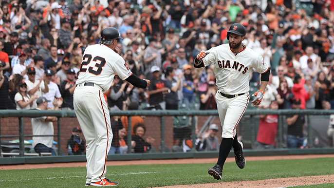 Giants offense comes to life against Rays in first home win