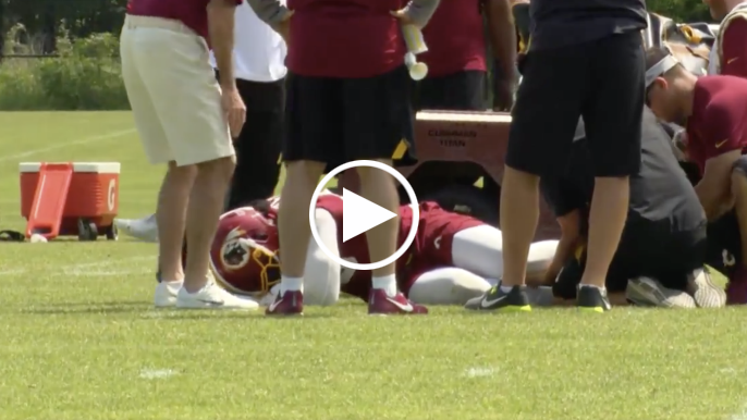 Reuben Foster carted off field with knee injury during Redskins practice
