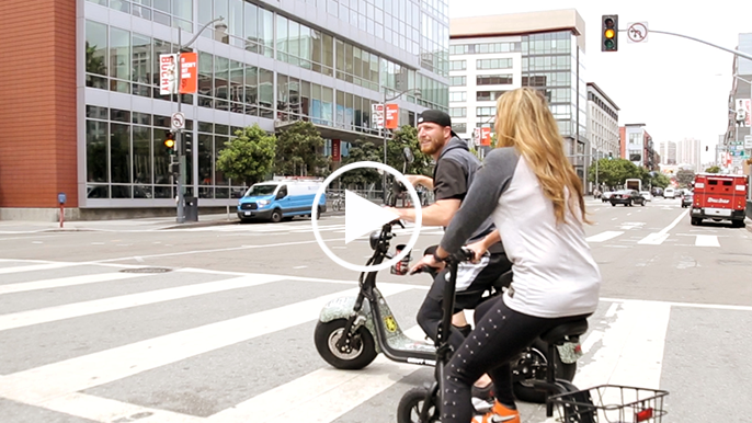 Giants reliever Will Smith scooters around SF talking life off the field