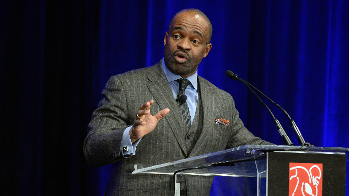 Head of NFLPA tells agents to plan for potential year-long work stoppage