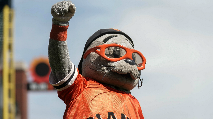 Lou Seal had quite the burn for Justin Turner after being hit in face with ball
