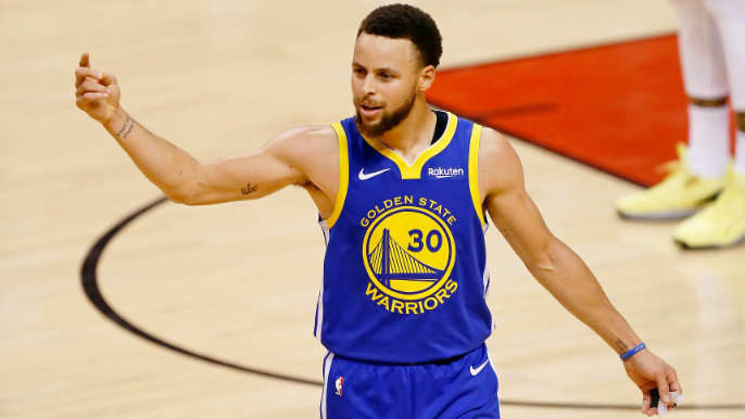 Curry comments on video showing Raptors fans heckling his parents