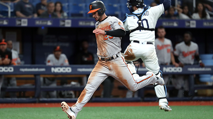 Giants claim former Orioles outfielder, transfer Nick Vincent to 60-day injured list
