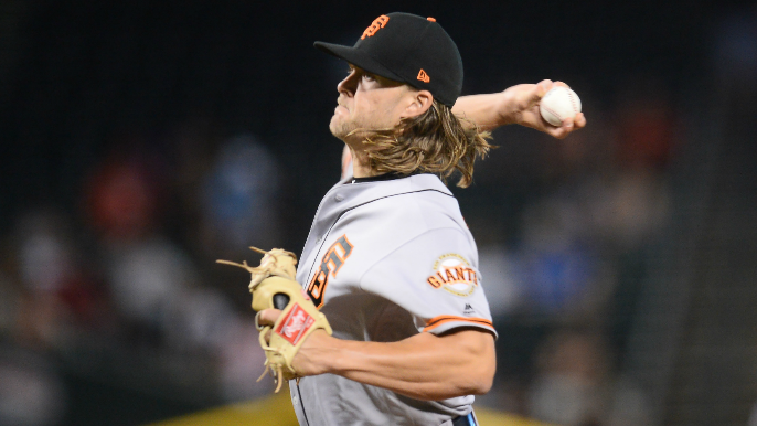 Giants lose unlikely pitchers' duel to Diamondbacks in extras