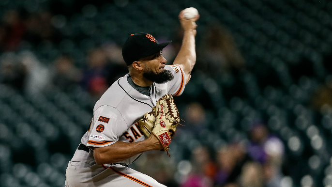 Giants shuffle bullpen with Triple-A call-up, Suarez demotion