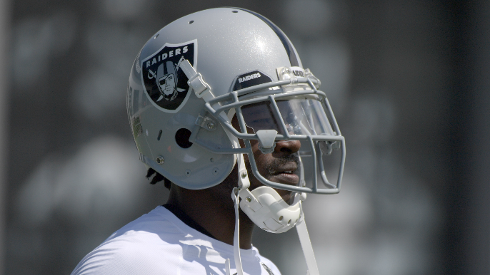 Antonio Brown responds after arbitrator rules against his grievance to wear old helmet