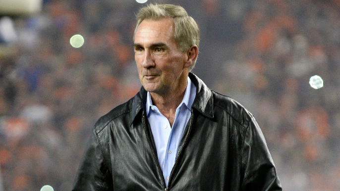 Mike Shanahan lived with Kyle last season to help mentor Jimmy Garoppolo