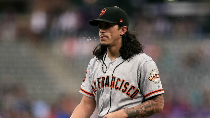 Dereck Rodriguez happy to be back as Giants keep plans quiet