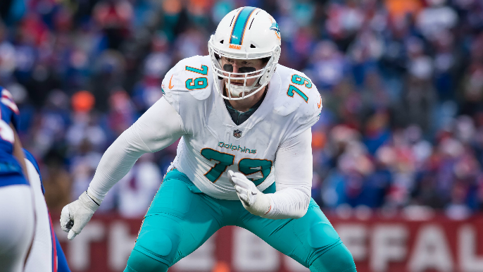 49ers working out nine-year veteran offensive lineman [report]