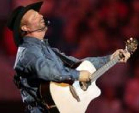 Garth Brooks Brings Down House with Tom Petty Tribute
