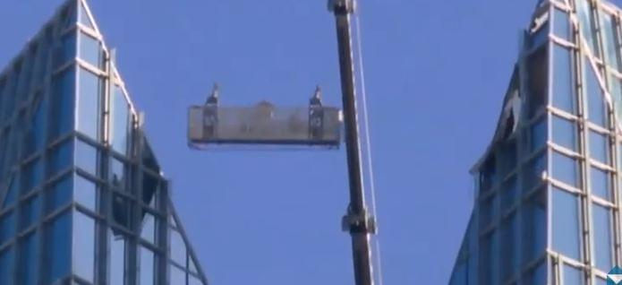 Two Window Washers Had to Be Rescued From Their Basket