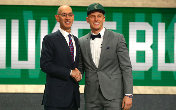 Bucks select Donte DiVincenzo with pick No. 17