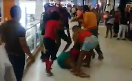 Mall Fight Breaks Out Between Six Woman… and a Toddler