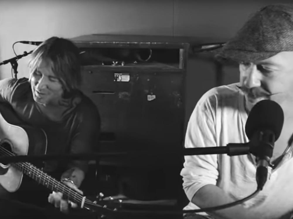 """Watch Keith Urban Team With Irish Singer/Songwriter Foy Vance for Acoustic Performance of """"Burden"""""""