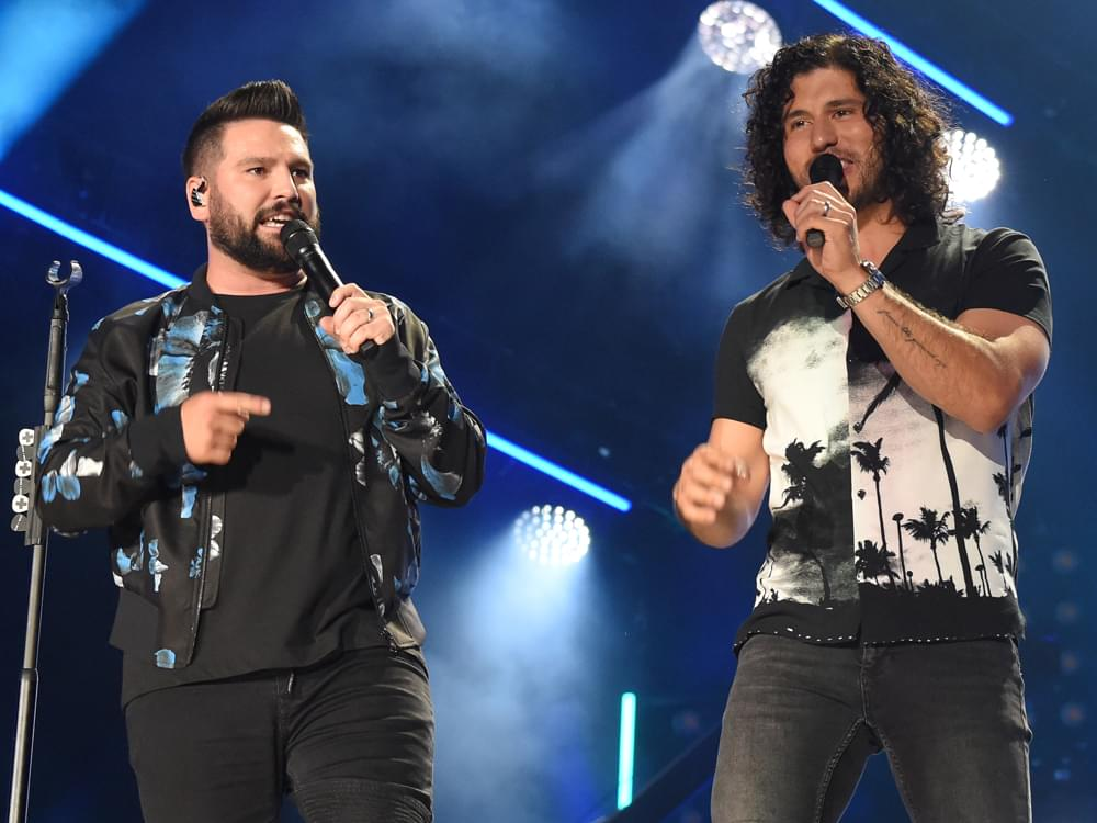 """Dan + Shay Appreciating """"Everything We Get to Do"""" During Whirlwind Year of Awards & Touring"""