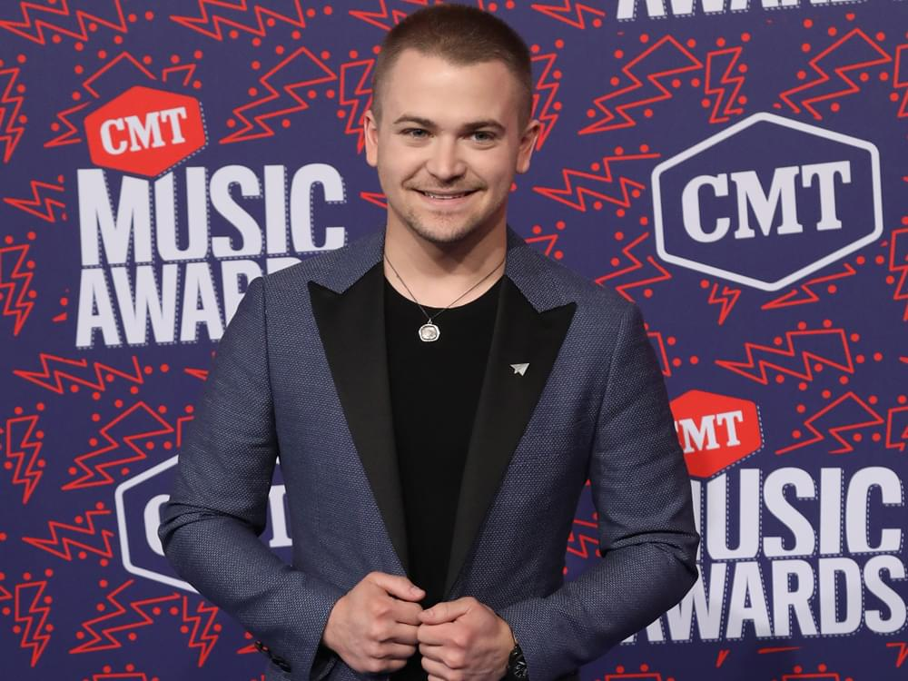 "Hunter Hayes Announces New Album, ""Wild Blue,"" and Performs New Single, ""Heartbreak"" [Watch]"