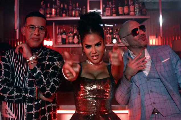 El General's 'Rica y Apretadita' vs. Pitbull's 'No Lo Trates': A Comparison