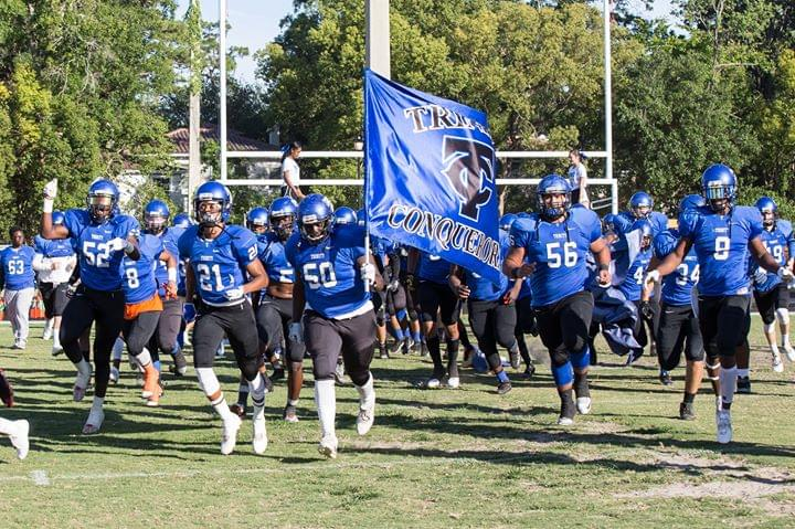 Trinity Christian stays perfect blowing out Oakleaf