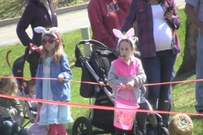 Critter Easter Egg hunt at Scovill Zoo (Video)