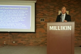 Dixon educates Millikin on Ag trends and issues