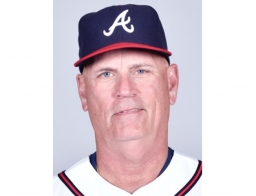 Braves' Snitker Hoping to Return Next Season