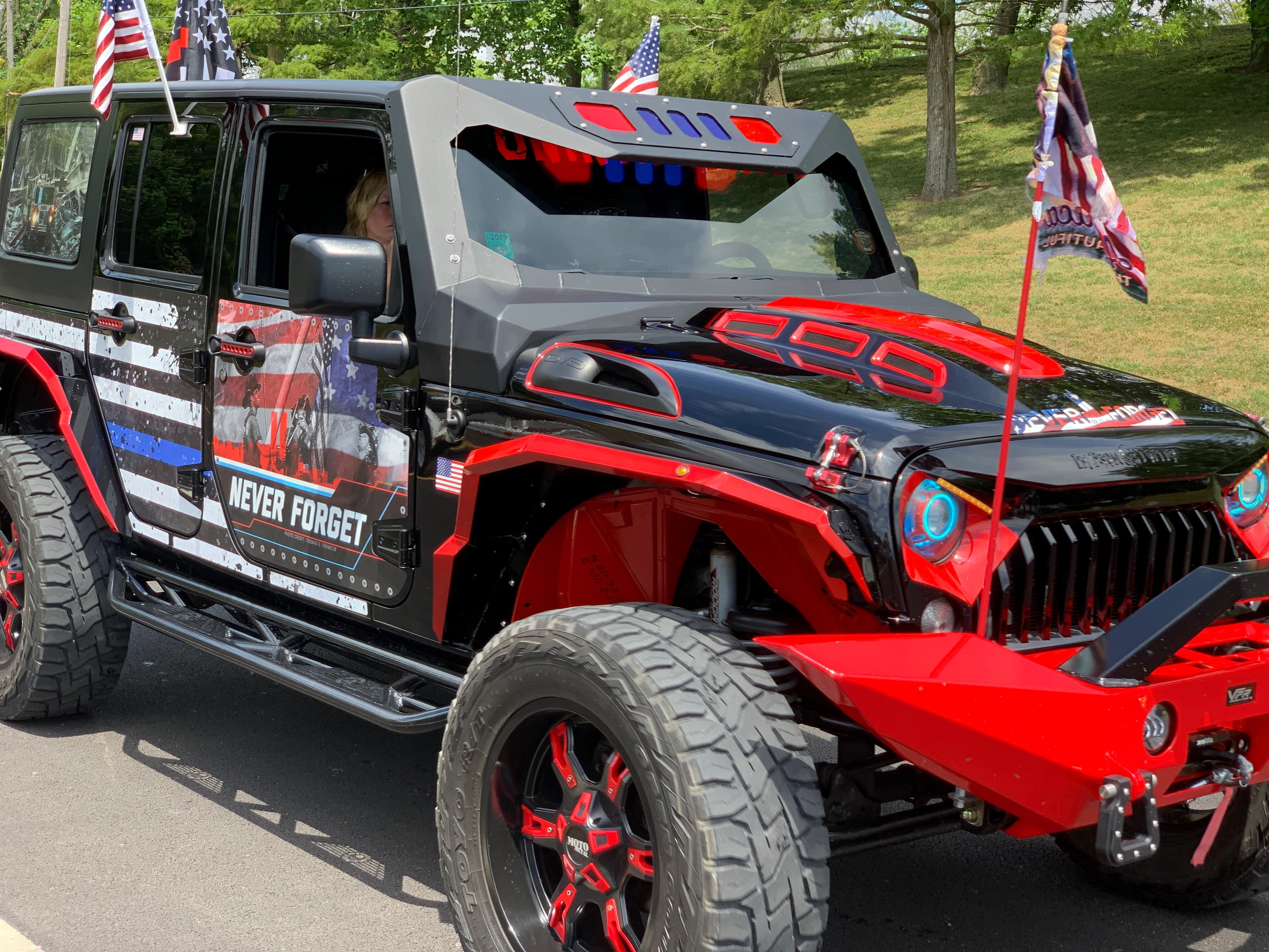 PHOTOS: 600 Jeeps and Motorcycles Participate in Peacekeepers Rally