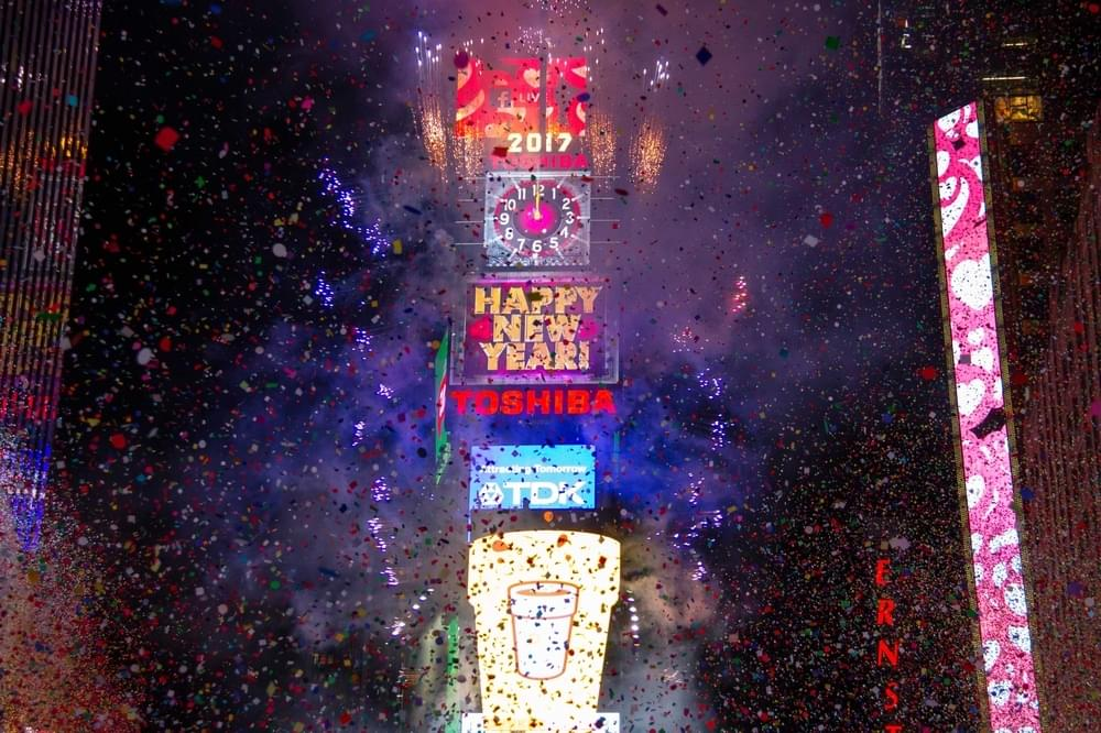 Dick Clark S New Year S Rockin Eve To Feature Live Powerball
