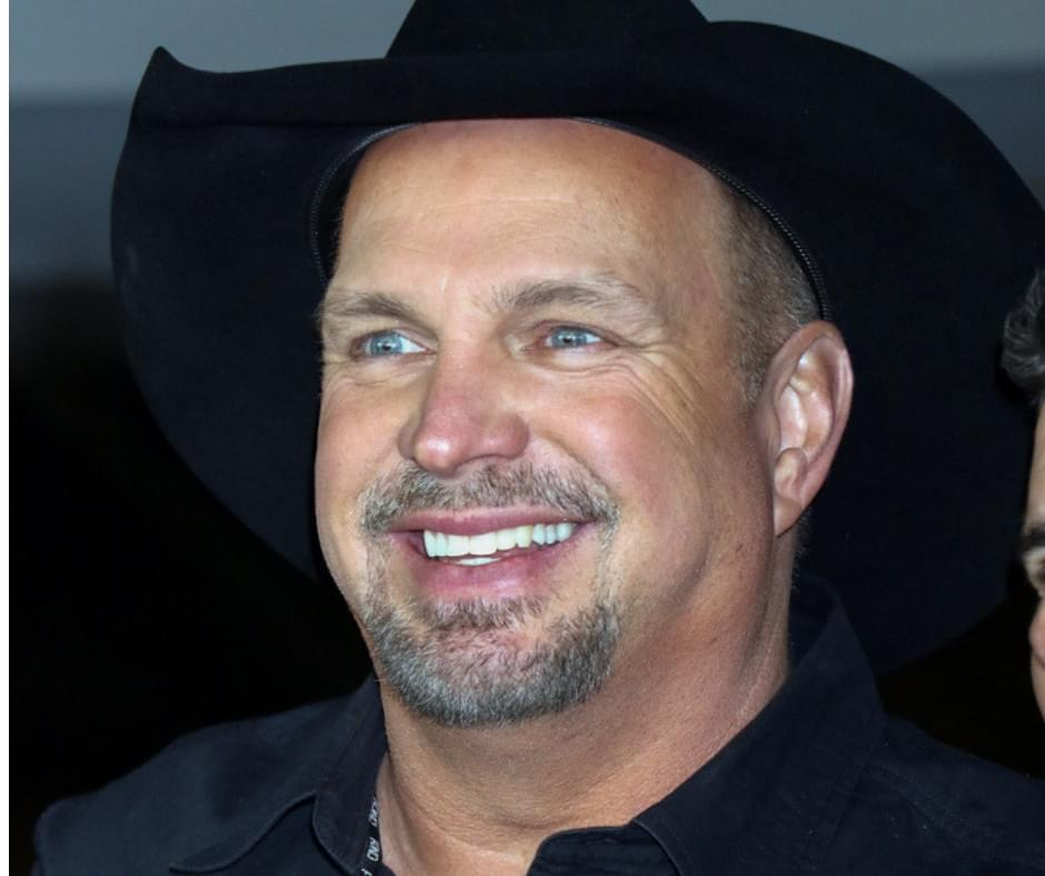 Garth Brooks Returning to St. Louis IN 2019