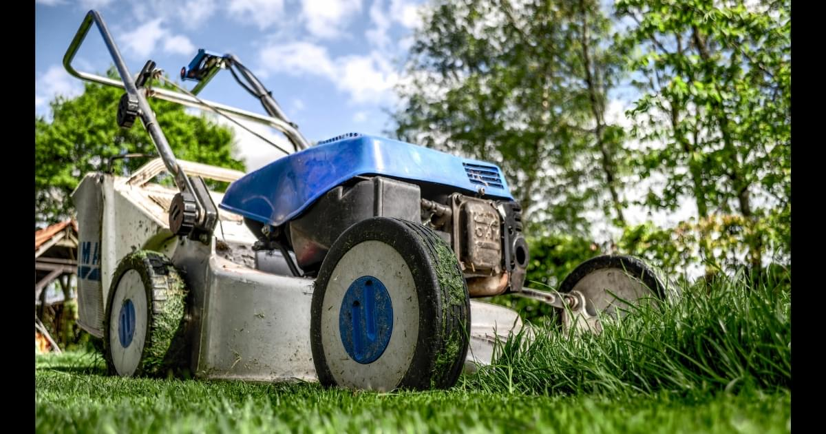 Florida Man Charged With DUI on a Riding Lawn Mower