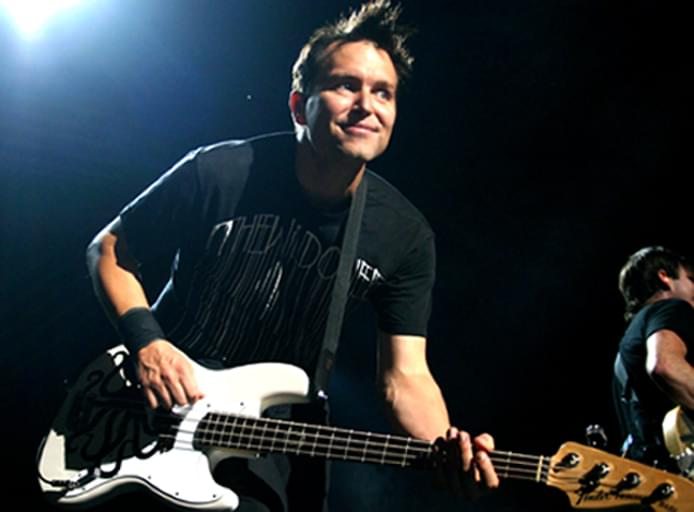 Blink 182 Reunion Tour 2009 in Concert at the First Midwest Bank Amphitheater in Chicago - August 15, 2009