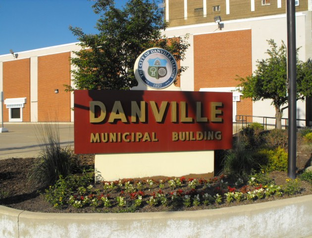 City Committee to Consider Residency Requirement