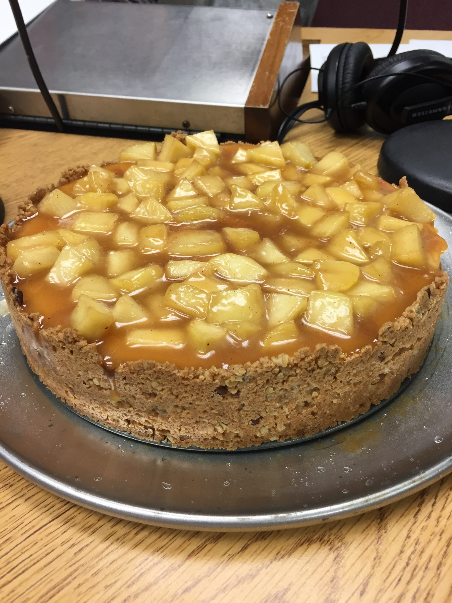 cinnamon-apple-cheesecake