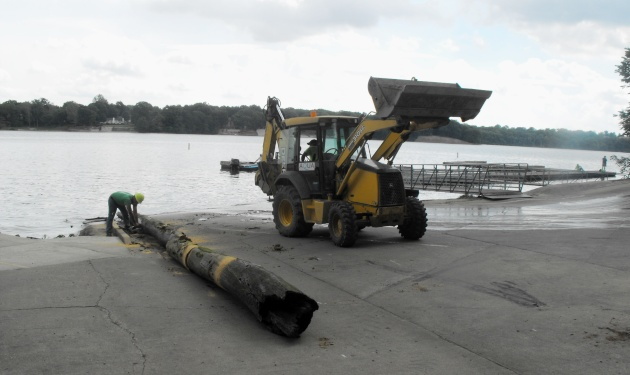 Lake_VERMILION_2015_cleanup_tractortree_052915