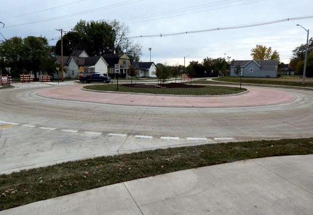 R_11_Roundabout_1025181