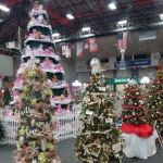 Seniors Get Sneak Peek at Festival of Trees